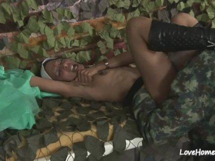 Сексуальная черная девушка - врезался жестоко