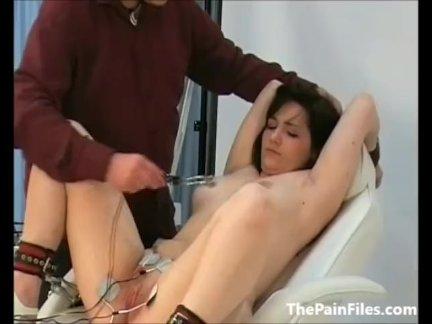 Врачи наказание из киска мучили пациент в медицинский фетиш и кудрявый г