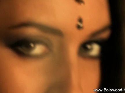 Красивые эротические мамаша индийский