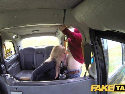 Поддельные такси Великой сиськи сексуальный ИФОМ в черном белье
