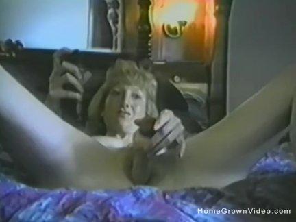 Любительское блондинка зрелые игрушки ее киска в кровать