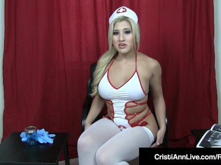 Грудастая медсестра кристи энн помогает ваш жестоко член в банк спермы