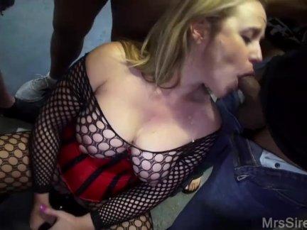Жена сосёт странные члена в торговый