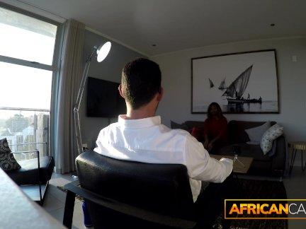 Африканский подросток жопа трах по белый турист