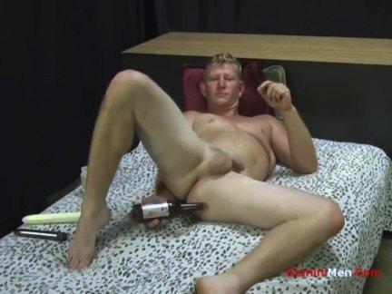 Гетеро блондинка шпилька наездница дилдо