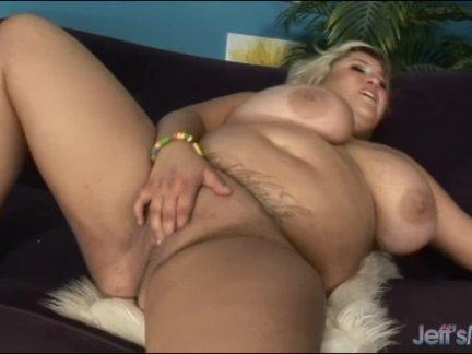 Большой сиськастый блондинка толстый кейси паркер трахается неряшливый глядя парень