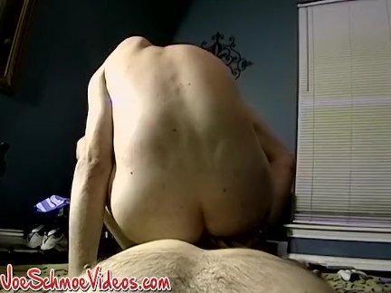 Любопытный натурал парень лижет жопу страстно по джок друг