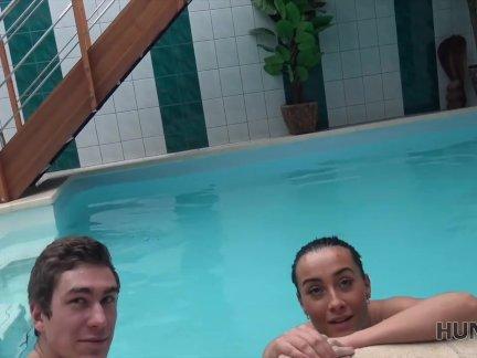 Хунтк. охотник выбрал сверху шалава анна роуз для хороший секс в частный бассейн
