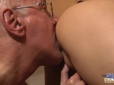 Сексуальный йо трах по старый мужик с интенсивный оргазм и лицевой кончил