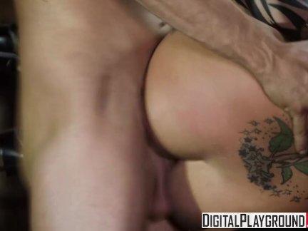 Дигиталплайграунд-горячая блондинка бассейн шалава брианна бенсон не беспорядок ару