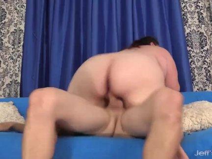 Возбужденный толстушки белла бендзь остасывает н анал трахается парень и он домкраты от на ее лицо