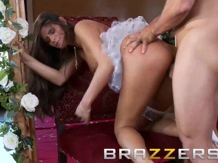 БРАЗЕРС - Королевская Пародия на свадьбу Порно - Мадлен Мари и Рамон