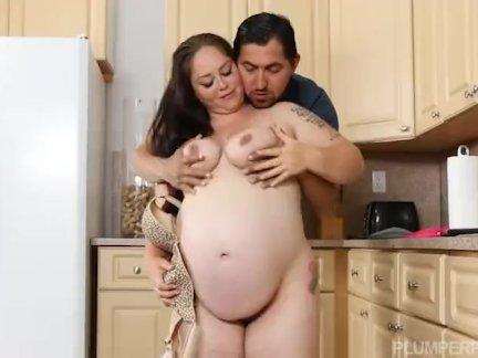 Беременная толстый хочет немного странные член