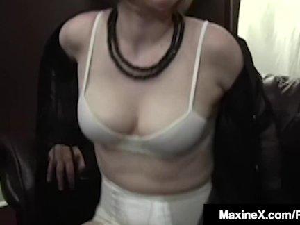 Азии мамочка максинекс помогает фетиш детка звезда девять кончить жестоко
