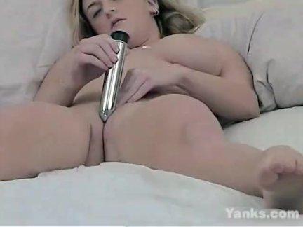 Янки блондинка джордан оргазм