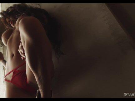 Красивые любительское модели танцы в эротический видео сборник