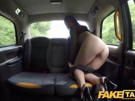Поддельные такси испанский деваха лиз радуга любит анальный аппликатура в то время как ебёт