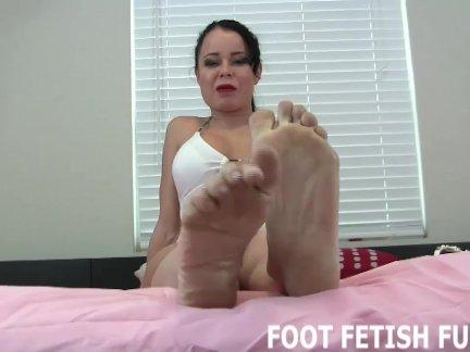 Фантазия ноги фетиш и женское доминирование видео