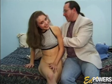 Едповерс-йо донна мастурбирует до кончил