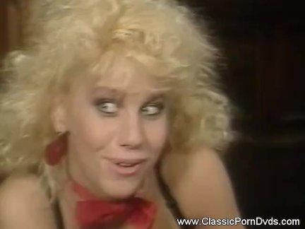 Дрянной винтаж блондинка мамочка секс