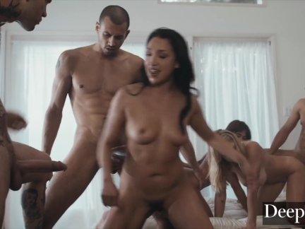 Riley, Gabbie and Vicki in orgy with muscle guys