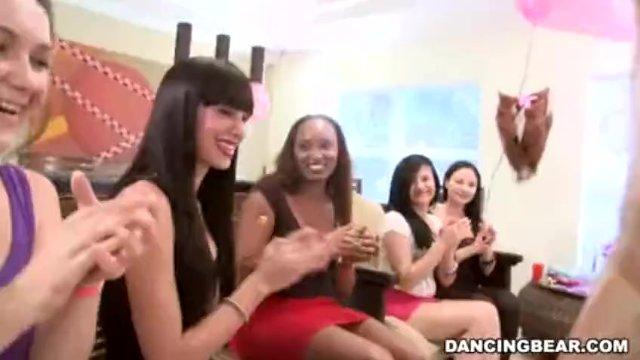 Čierna striptérka sex party