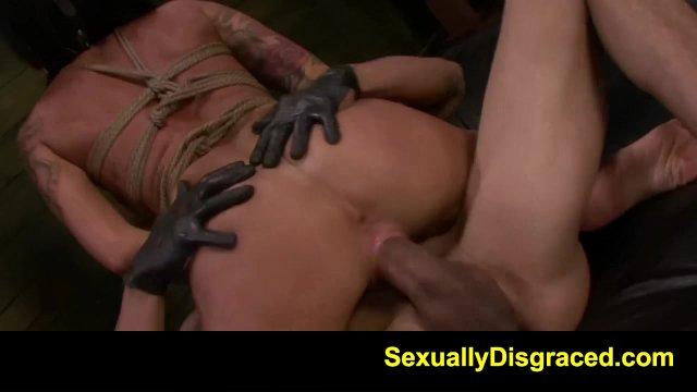 mučenia čierne porno
