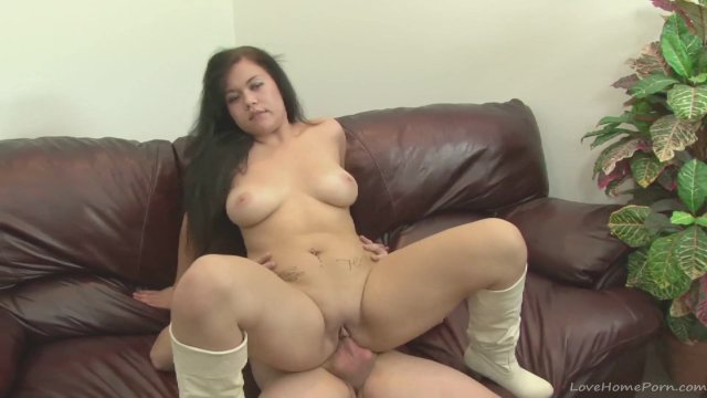 Amateur hottie in her first hardcore porn