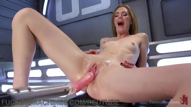 Mona Wales Squirts Everywhere
