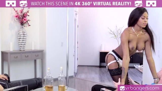 VR Bangers - Hot Ebony Pole Dancer Nadia Jay