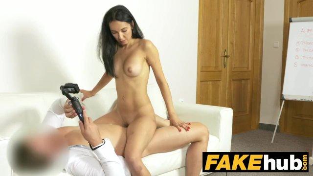 Fiatal meleg tini pornó cső