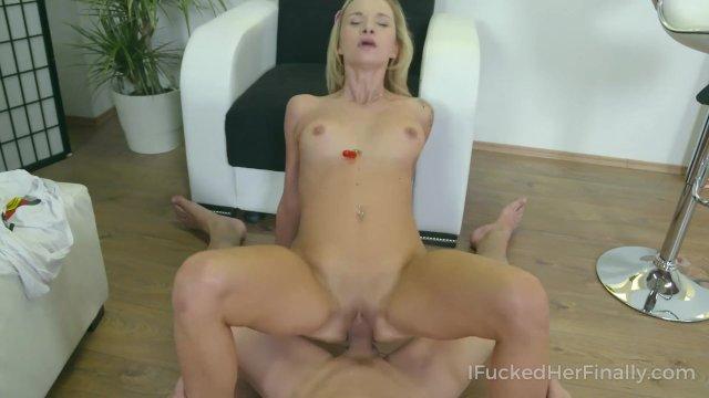 Sweetie satisfies her always sex-hungry pussy
