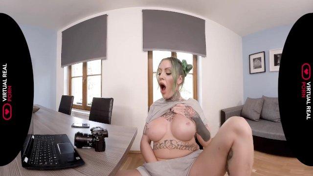 VirtualRealPorn - My naughty photoshoot