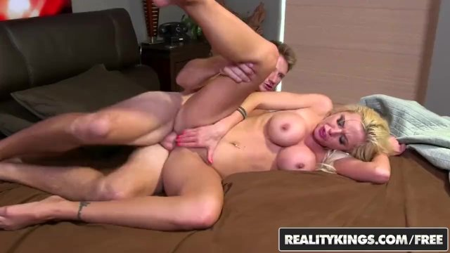 Reality Kings - Hot blonde stripper Nina Elle leaves work early for some co