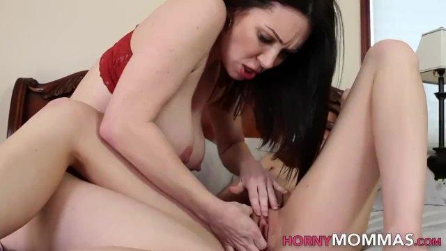 Masturbating milf stepmom