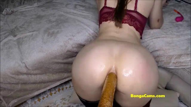 Deep fucking performance by hot chick