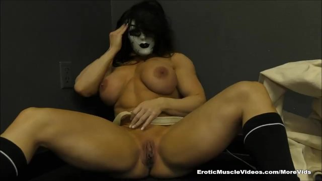 Compulsive Masturbating Muscle Girl Loses Grip On Reality