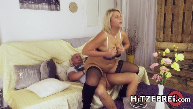 HITZEFREI Tatjana found a guy to fuck on a dating app