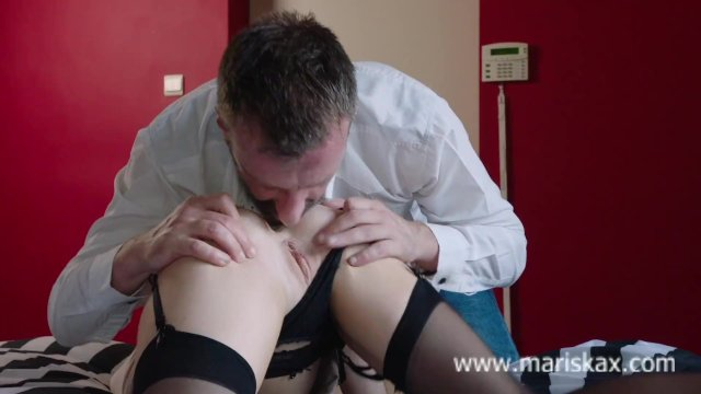 MARISKAX Busty blonde Rachelle takes a cock up her ass