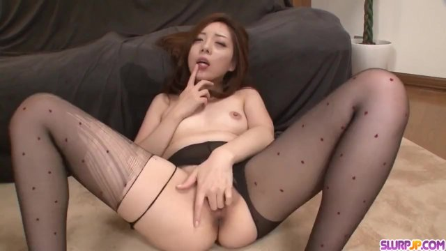 Sweet pantyhose oral porn with Maki Mizusawa - More at Slurpjp com