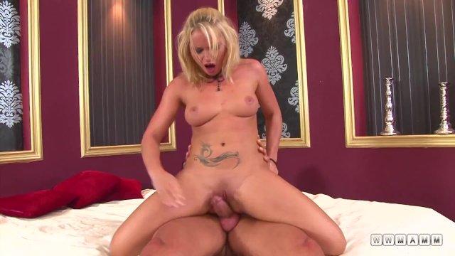 Czech blonde babe fucks like slut
