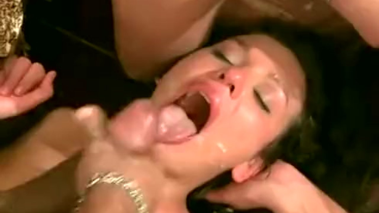 Sexy babe hard fuck video