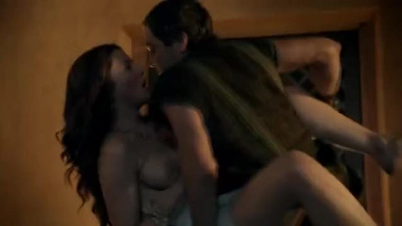 Spartacus lesbisk sex scen