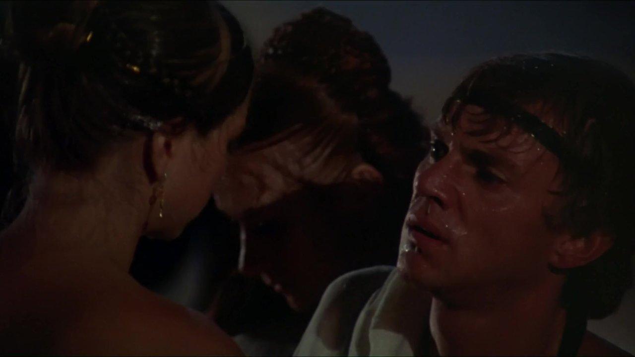 Caligula lesbisk sex scen