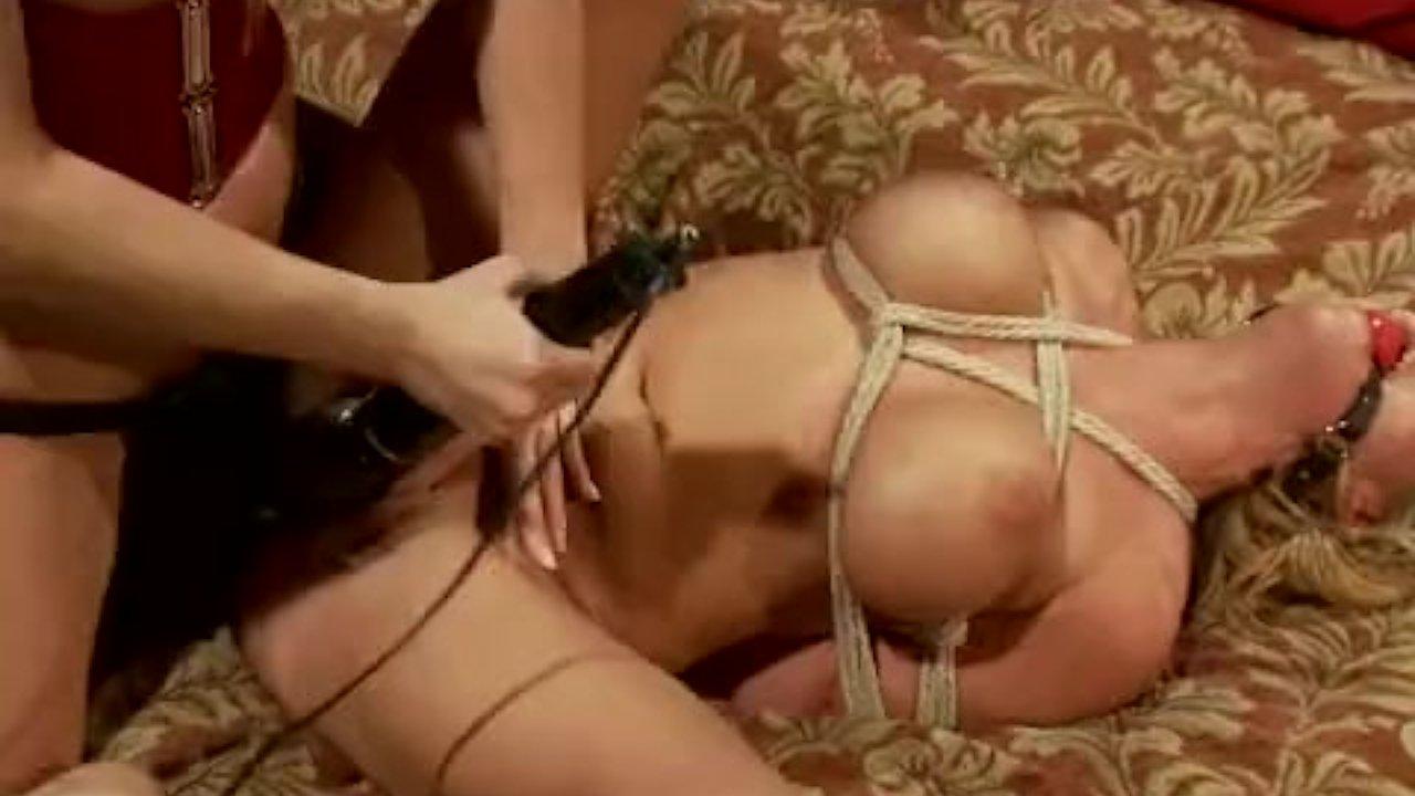 Valentina Nappi X Angela White Lesbian