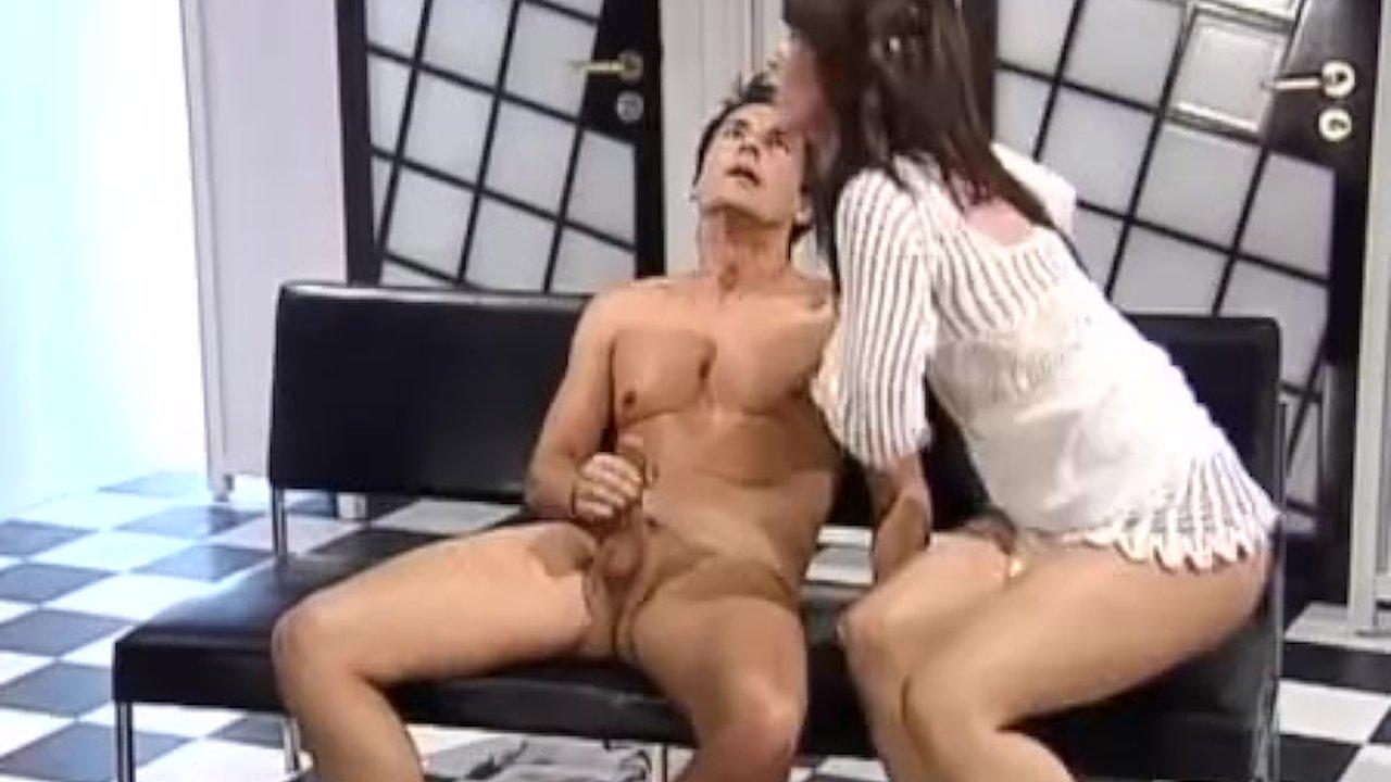 Primecups Kyra Queen sucks cock and fucks