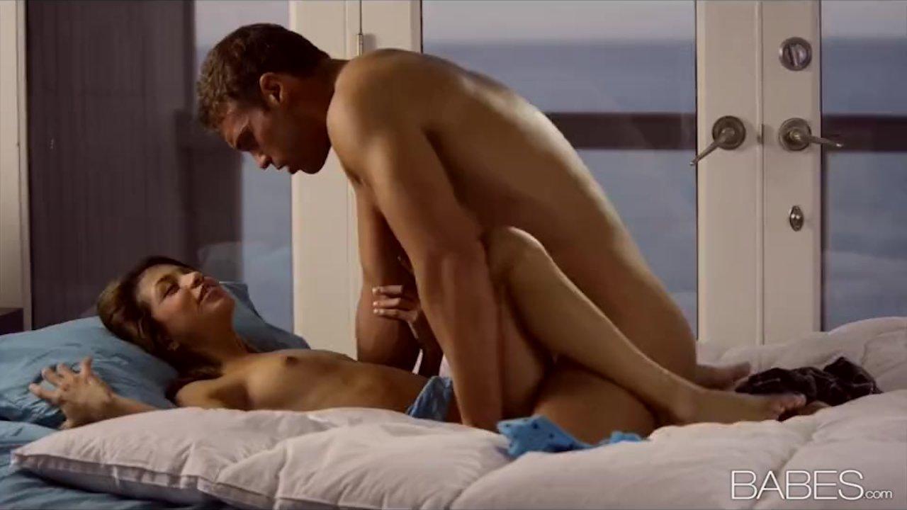 Latina Veronica Rodriguez has a big orgasm