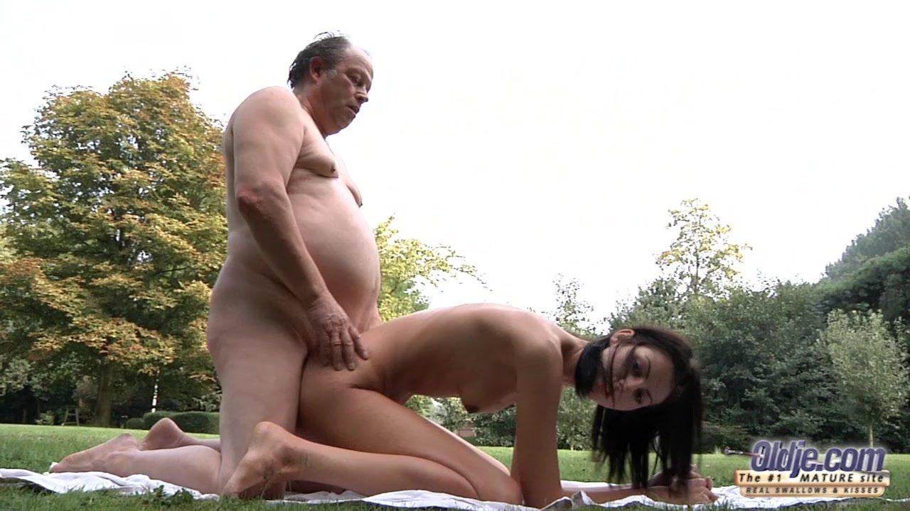 Grandpa fucking fat girl — photo 7