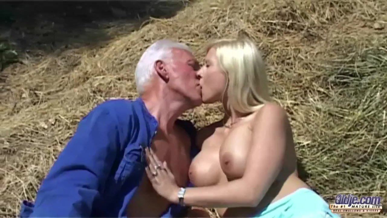 Bearded oldman cums in a young mouth