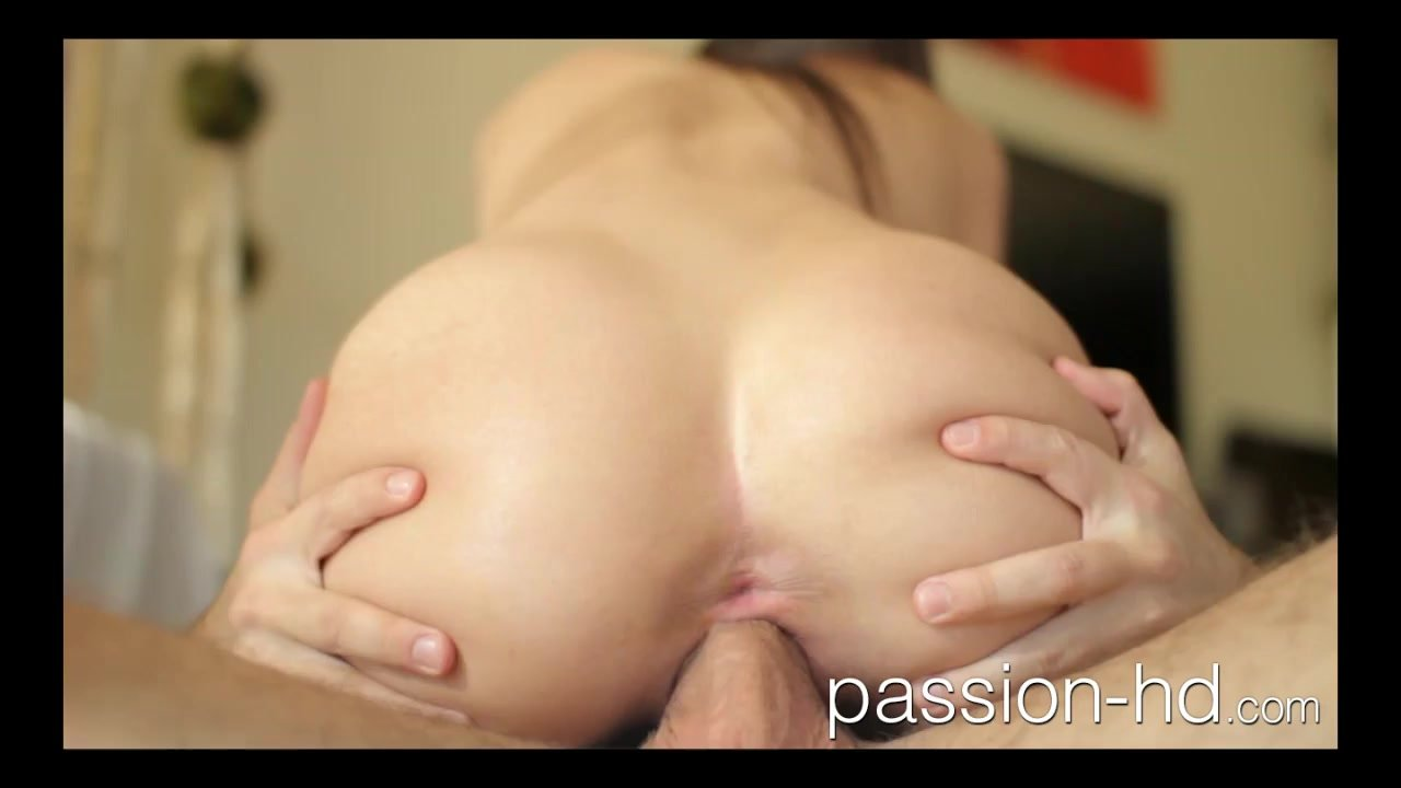 Passion-HD Belle Knox masturbates then gets